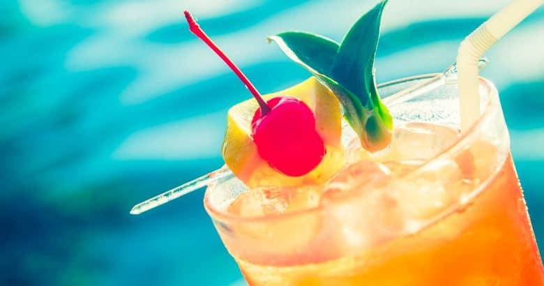 Coquetel de frutas | 5 Sucos Detox Para Melhorar a Saúde de Forma Natural